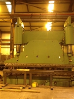 Image of CINCINNATI - 400 Ton x 4500 mm Over bed, Downstroke Hydraulic Press Brake